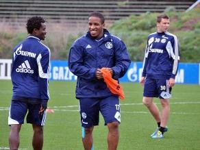 Farfán volvió a prácticas del Schalke y ya desea reaparecer en Bundesliga