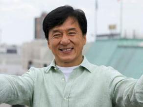 ¿Qué le regalaron a Jackie Chan por su cumpleaños?