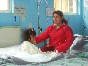 Arequipa: dan de alta a niña que tenía agujas en el cuerpecito