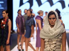 Tendencias femeninas con Harumi Momota en el Perú Moda