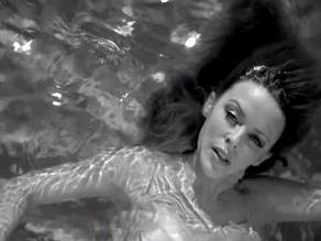 Kylie Minogue abandona