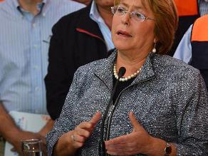 Bachelet llega a Valparaíso a conocer magnitud de incendio
