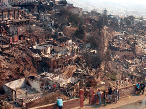 Doce muertos y 10.000 evacuados por incendio en Valparaíso