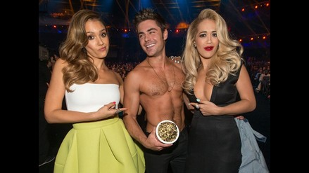 Zac Efron se revela como un símbolo sexual en los MTV Movie Awards