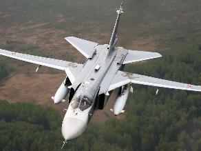 Su-24 de Rusia voló de manera ´provocativa´ cerca de buque de EEUU