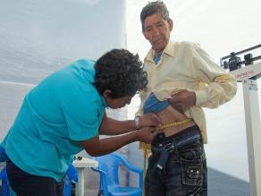 Tratamiento gratuito de cáncer a usuarios de Pensión 65, gracias a SIS