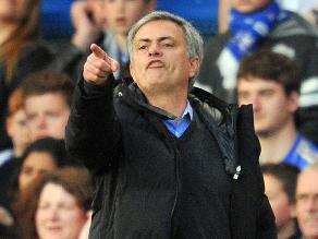 José Mourinho felicita irónicamente al árbitro de Chelsea vs. Sunderland