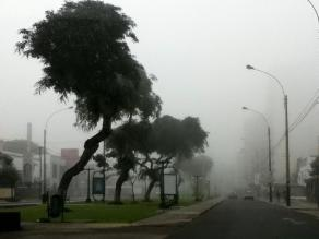 Inusual neblina de otoño en últimos días se repetirá en litoral limeño