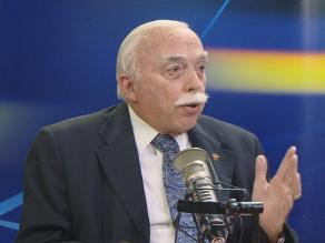 Tubino: Ministro Cateriano pone en duda las capacidades de las FFAA