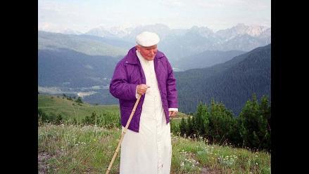 Juan Pablo II, el papa que fue santo por aclamación popular