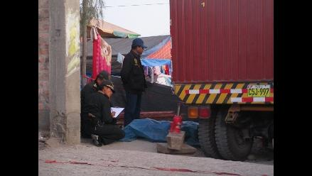Arequipa: dos jóvenes fallecen cuando instalaban juego mecánico