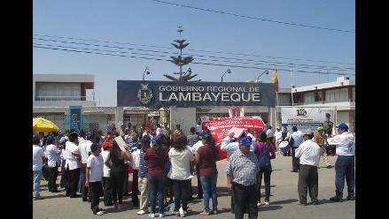 Lambayeque: trabajadores de salud protestan en gobierno regional