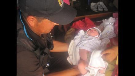 Huanchaco: Sereno atiende a mujer que alumbró en su vivienda