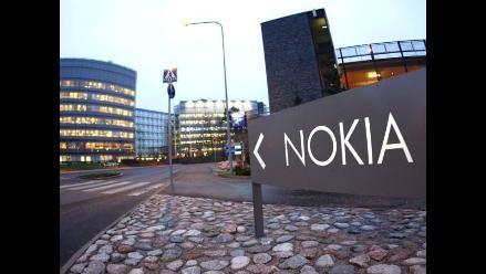 Microsoft compra el negocio de teléfonos y servicios de Nokia