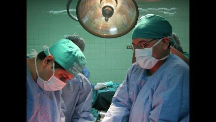 Chiclayo: médicos extirpan peligroso tumor a agricultor