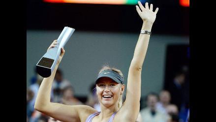 Sharapova se adjudicó el título en Stuttgart por tercer año consecutivo