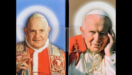 Dos nuevos santos: Juan XXIII, el papa bueno, y Juan Pablo II, el papa viajero