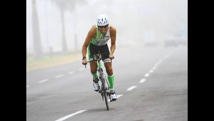 Rodrigo Medrano gana primera fecha en Circuito Nacional de Triatlón