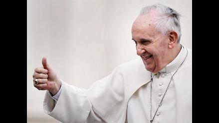 Papa Francisco se organiza la vida solo, según colaborador