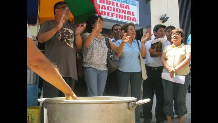 Trujillo: con olla común trabajadores judiciales rechazan Ley Servir