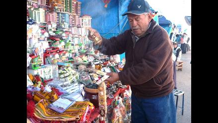 Puno: inician festividades a la Cruz de Huancané y feria de las Alasitas