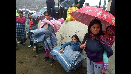 Efectivos PNP recolectan abrigos y frazadas para pobladores de Puno