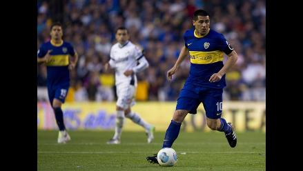 Hinchas de Boca Juniors exigen la renovación de Riquelme
