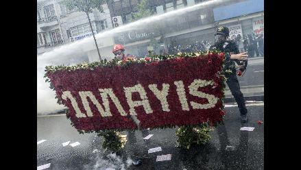 Pasajero intenta desviar avión para ir al Primero de Mayo en Estambul