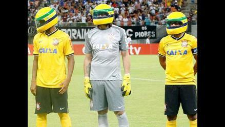 Paolo Guerrero y todo Corinthians le rindieron homenaje a Ayrton Senna