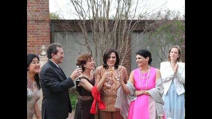 Exministra Verónica Zavala se casó con su novia en EEUU