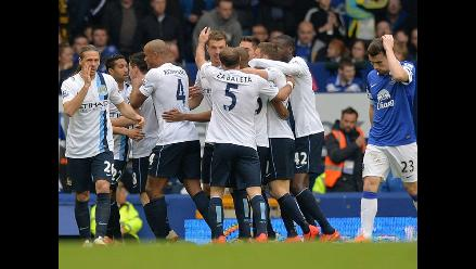 Manchester City lidera la Liga Premier tras derrotar al Everton