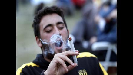 Uruguay festeja con música y tortas fritas la regulación de la marihuana