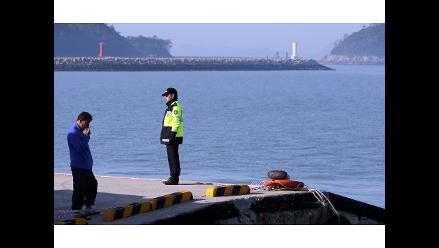 Número de muertos confirmados en ferri surcoreano hundido sube a 242