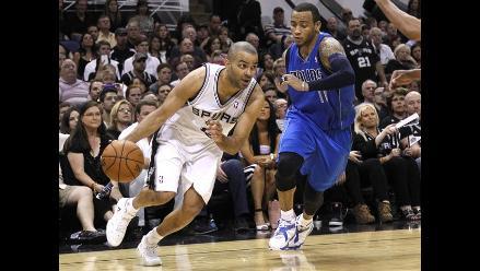 San Antonio Spurs vence a Dallas y está en semifinales de la conferencia