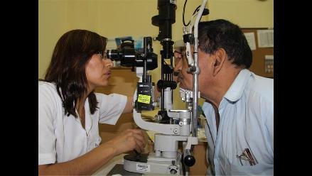 El 70% de adultos mayores puede quedar ciegos por catarata