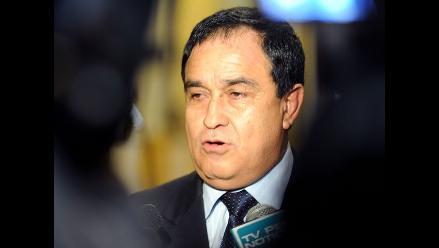 Otárola: Denuncia contra jueces del TC seguirá su trámite en el Congreso