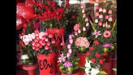 Huancayo: pobladores prefieren las flores para el día de la Madre