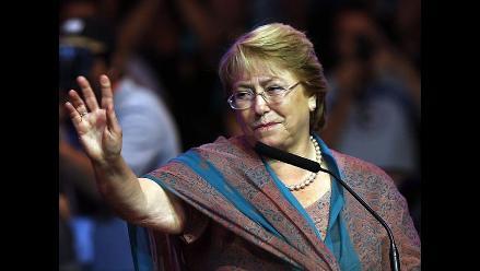 Bachelet llega a Argentina y se reunirá con Cristina Fernández