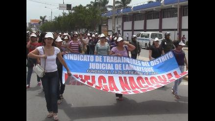Piura: continúa huelga de trabajadores judiciales