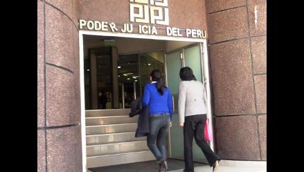 Huancayo: trabajadores de la Corte regresan a laborar tras huelga