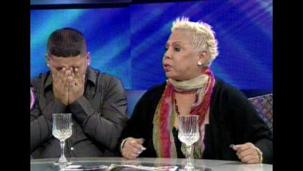Lucía de la Cruz rompió los papeles de divorcio en vivo