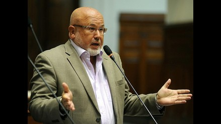 Carlos Bruce: No es un activo político declarar que se es gay