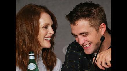 Robert Pattinson se ruboriza al hablar de sexo en Cannes