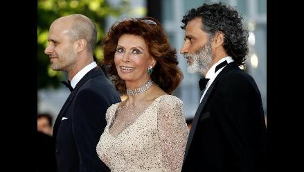 Sophia Loren demuestra en Cannes que sigue siendo una estrella