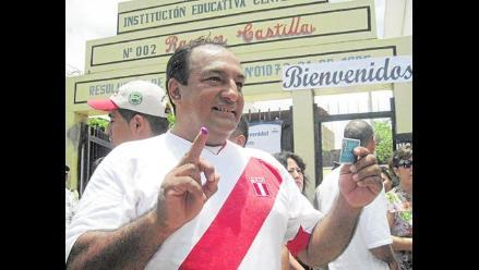 Tumbes: impiden la salida del país del presidente regional Viñas Dioses