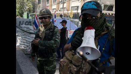 Tailandia: Militares golpistas desalojan a los manifestantes en Bangkok