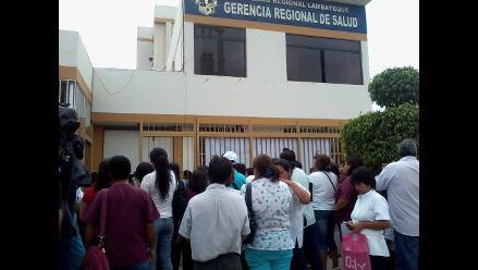 Lambayeque: trabajadores CAS del Minsa protestan por concurso