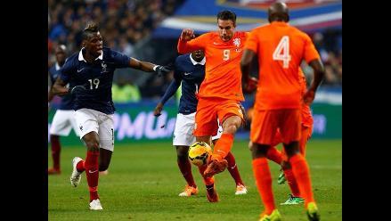 Robin Van Persie padece lesión y está en duda para jugar Brasil 2014