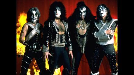 Kiss celebra sus 40 años con disco de vinilo