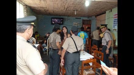 Chiclayo: clausuran bar clandestino donde trabajaban damas de compañía